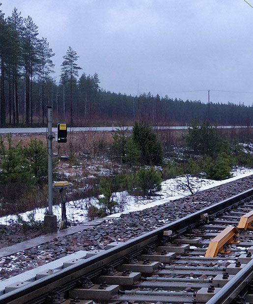Turck Q300 RFID reader installation on trackside